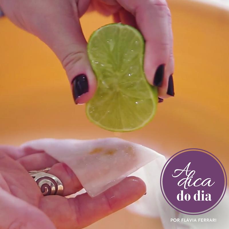 usando limão para retirar manchas de ferrugem do tecido