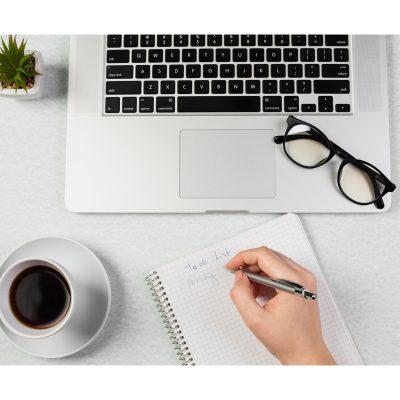 VOCÊ SABIA QUE UM PROFISSIONAL DE ORGANIZAÇÃO TAMBÉM PODE ORGANIZAR SEU CELULAR E COMPUTADOR?